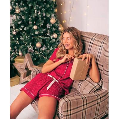 Как создать новогоднее настроение? Ёлка, мандарины, Jingle Bells – и дело в шляпе (дедушки Мороза 😁). ⠀ Надевайте нашу новинку, включайте рождественский трек и вперёд навстречу волшебным ощущениям. 🥳 ⠀ ✨ Рубашка из нежной вискозы на пару с шортами окутают мягкостью и подарят комфорт. ✨Благородный красный цвет в мелкий горошек – гармоничный тандем изящности и лучших традиций праздника. 😋 ⠀ Станьте главным новогодним украшением дома. ✨ Пишите нам в WA и скорее заказывайте. 😉 Ссылку на сайт и номера телефонов ищите в шапке профиля. ⬆ ⠀ Цена: 2179 ₽ ✂Размеры: 44/46/48/50 🏷️Материал: 100% вискоза 🔸Модель: 539257 (для удобного поиска на сайте) ⠀ ______ ⠀ 🛍 Магазин: 📍ТЦ
